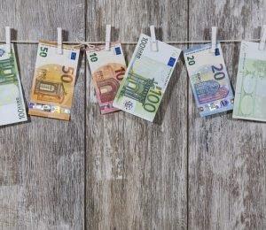 money-2991837_640